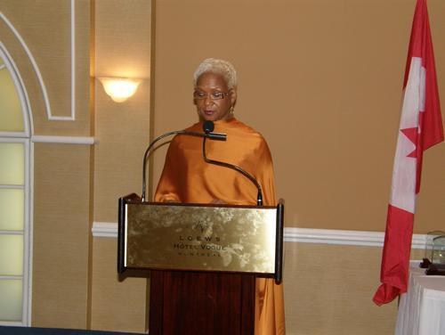 Allocution de Mme Rhonda Watson, Deputy Consular Section Chief, représentant Mme Mary B. Marshall, Consule générale des Etats-Unis