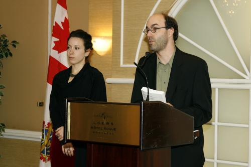M. Alain Deneault et Mme Delphine Abadie sont les invités de Gala Noir et Blanc Au-delà du Racisme pour parler de leur ouvrage Noir Canada